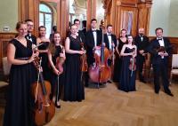 Orkiestra w Willi Lentza.jpg